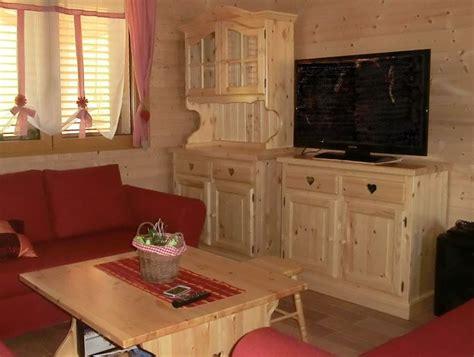 credenze rustiche www mobilificiomaieron it 0433775330 soggiorno rustico