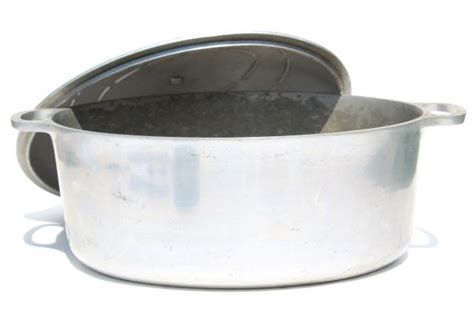 vintage aluminum oval roaster dutch oven big roasting pan  camp cookware