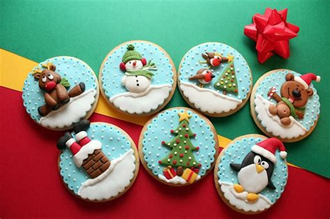 bas relief decorated christmas cookies  dulces artes