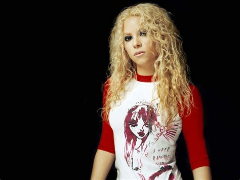 Shakira Biography , Shakira Information , Shakira Movies