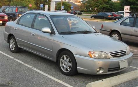 2000 Kia Spectra Photos, Informations, Articles