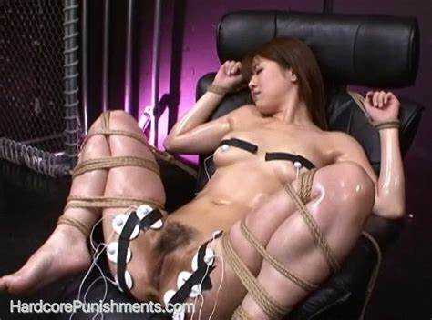 Braces Girls Wanking Meat In Workout Scene Smothering Photo Gallery Of The Day