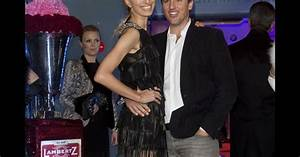 Karolina Kurkova et son mari Archie Drury, souriants à l ...