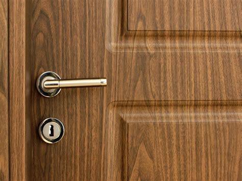 quel mat 233 riau choisir pour votre porte pour une isolation parfaite