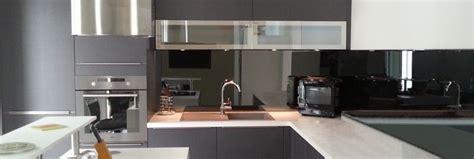 credence en verre trempé pour cuisine credence de cuisine en verre e miroiterie