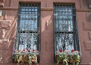 Fenster Mit Gitter : fenstergitter sch ne ausf hrungen zum fensterschutz ~ Sanjose-hotels-ca.com Haus und Dekorationen