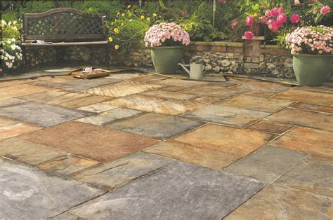 Laying Patio Pavers Instructions by Slate Pavestone Natural Paving Stone For Gardens And