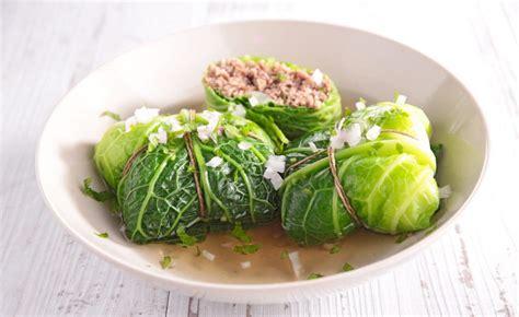recettes cuisine plus recette de chou farci façon auvergnate par alain ducasse