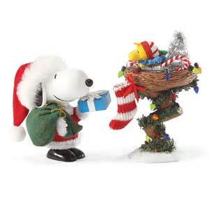 peanuts snoopy and woodstock gift giving christmas clothtique figurine 4033736
