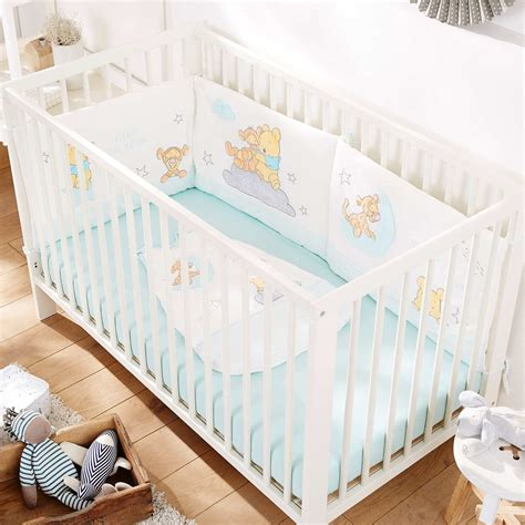 tour de lit bebe pour ou contre tour de lit en velours winnie b 233 b 233 gar 231 on kiabi 30 00