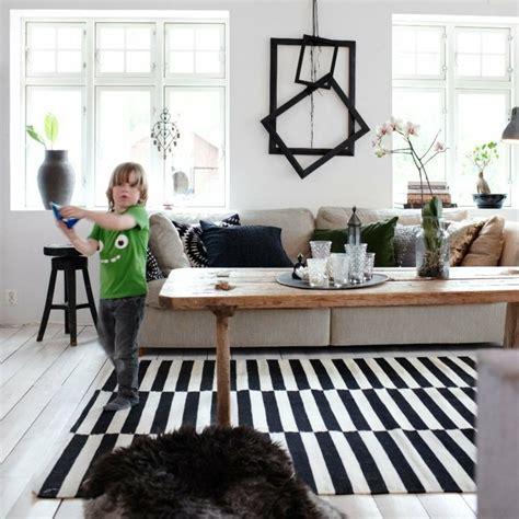 tapis moderne  rayures en noir  blanc