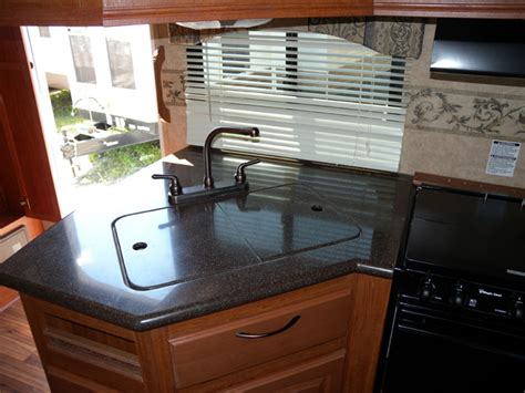 comptoir cuisine corian bien qu il soit de marque corian le dessus du comptoir de