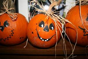 Halloween Kürbis Bemalen : more pumpkin faces these are sugar pumpkins halloween pinterest k rbisse anmalen ~ Eleganceandgraceweddings.com Haus und Dekorationen