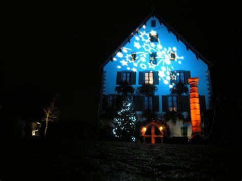 lumiere de noel exterieur maison projecteur ext 233 rieur led ou halog 232 ne sp 233 cialiste 233 clairage concept light