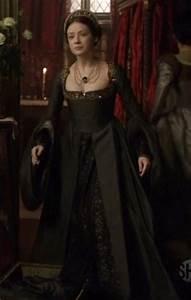 Sarah Bolger as Mary Tudor - Tudor History Photo (31276752 ...