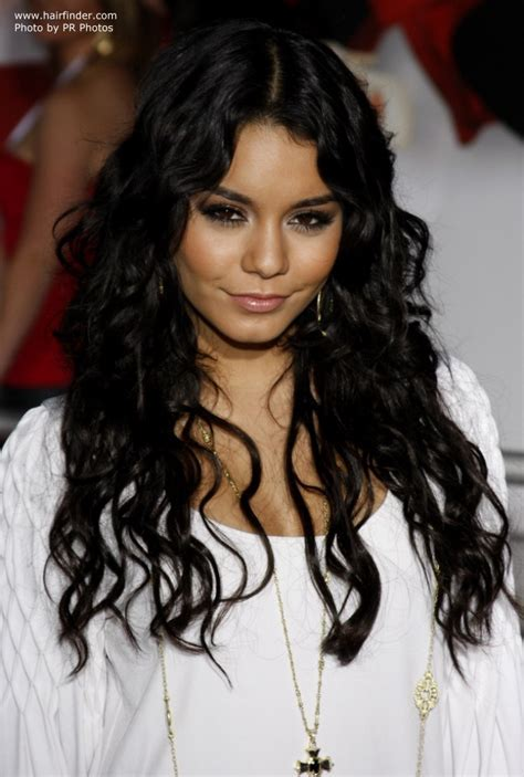 Vanessa Hudgens   Long wavy hairstyle with gypsy elements