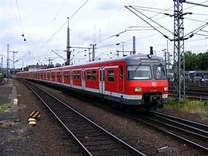 S Bahn Düsseldorf : ein s bahn triebzug der db baureihe 420 bei der fahrt foto ~ Eleganceandgraceweddings.com Haus und Dekorationen