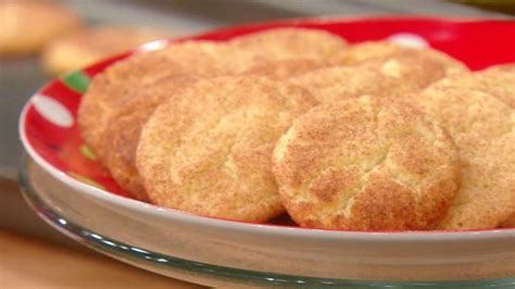 I wanted to make cookie dough balls that you didn't need eggs for and didn't have to cook. Trisha Yearwood's Snickerdoodle Cookies | Trish yearwood ...