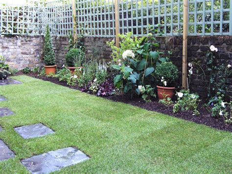 planting schemes for small gardens planting plans living gardens