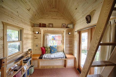tiny house plans     saving   money