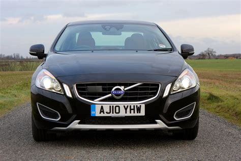 Volvo S60 Photo by Volvo S60 Saloon 2010 Photos Parkers