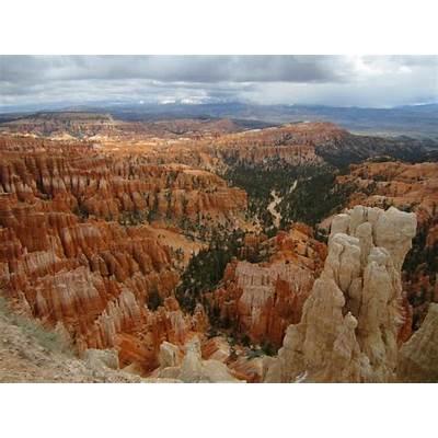 "Utah's ""Big Five"" National ParksThe Nestless"