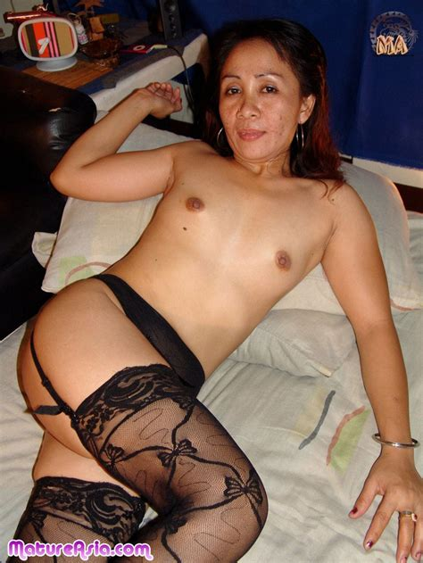 michelle is a asian mature old lady who enjoys sex