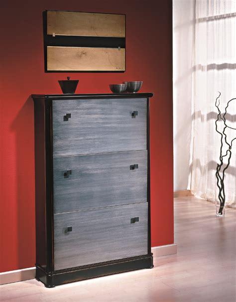 Zapatero artesanal a medida en madera de haya y plata