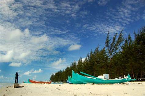 pantai  belitung  cantiknya kebangetan