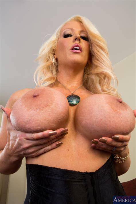 Beautiful Blonde Is Posing Naked Photos Alura Jenson Richie Black Milf Fox