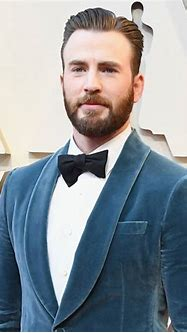 Chris Evans Finally Weighs In on That NSFW Photo Leak - E ...