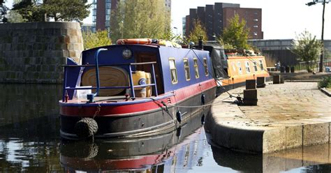 Boat Paint Manchester by What Is It Like To Live On A Boat In Manchester