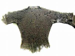 Medieval-knights-clothing-haubert-chain-mail Picture