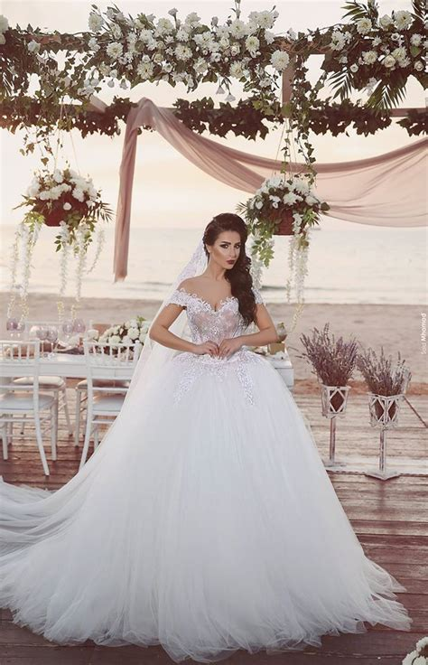 Vintage Off Shoulder Lace Ball Gown Wedding Dress Tulle