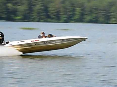 Fast Shallow Water Boats by Allison Boat 100mph In Shallow Water Youtube