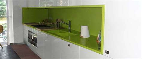 green corian arco arredo design in dupont corian 174 cucine in