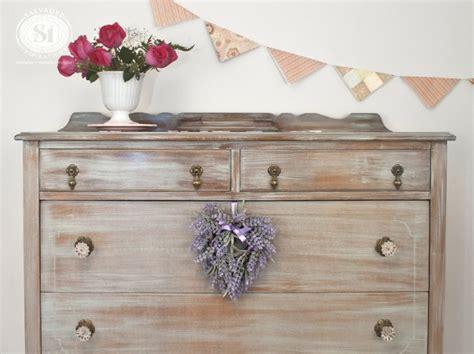 petit bureau en bois repeindre un meuble en bois idées et conseils