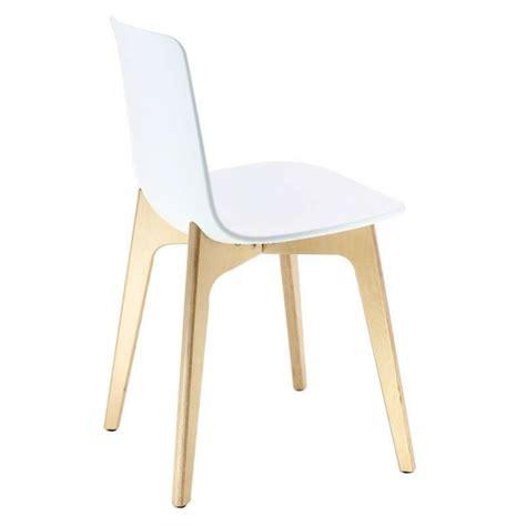 4 pieds 4 chaises givors chaise design en polypropylène lottus pieds bois enea