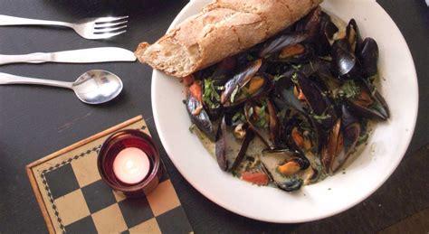 Mad river coffee house noktasına 0,2 km mesafede. Bar Antidote | Vermont Restaurant Week