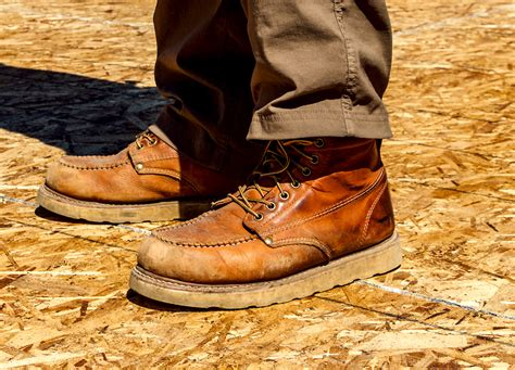 wedge style work boots tools   trade work