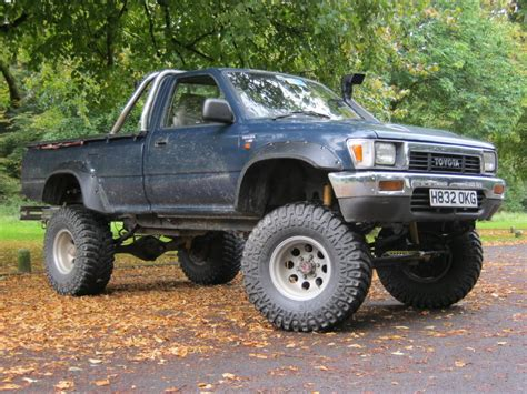 1980 toyota lifted 1980 toyota hilux lifted wallpaper 1024x768 25413