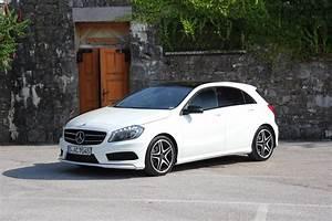 Mercedes Classe C Blanche : essai vid o mercedes classe a restyl e pop star ~ Gottalentnigeria.com Avis de Voitures