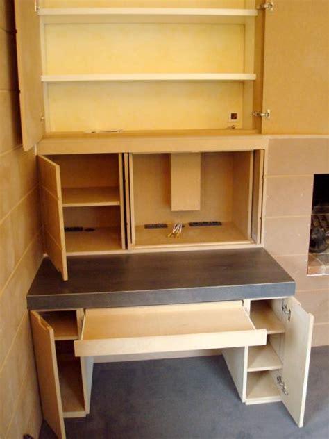 meuble sous bureau rangement divers meubles sur mesure meuble sous escalier