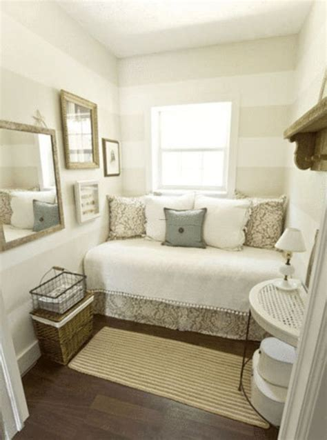 Spare Bedroom Inspiration by Diy Inspiration Daybeds For The Home Small Guest
