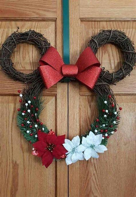 unique mickey mouse wreath ideas  pinterest disney