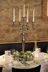 Tisch Blumen Hochzeit : pin von hochzeitsdekoration auf kerzenst nder mieten ~ Orissabook.com Haus und Dekorationen