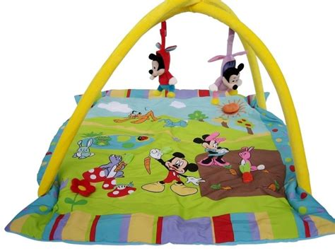 chambre bébé mickey davaus tapis chambre bebe mickey avec des idées