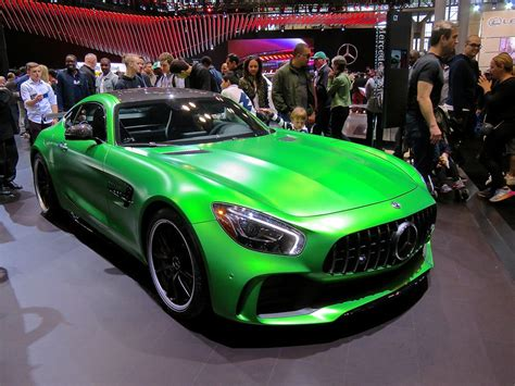 This combination is just irresistible and is limited to 750 units: Mercedes AMG GTR at NYIAS | Mind Over Motor