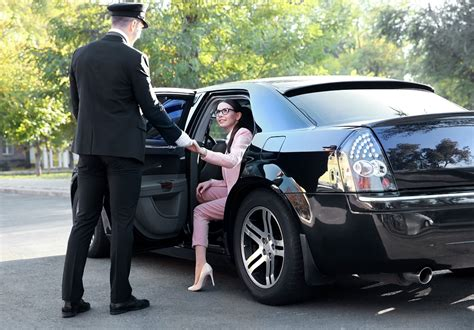 Chauffeur Limousine Service by Why Do You Hire Chauffeur Service