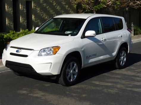 Toyota Rav4 Electric by 2012 Toyota Rav4 Ev All Electric Crossover Will Be Sold To